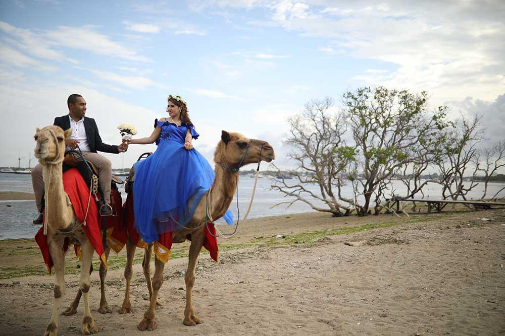 Paket Prewedding Di Bali Camel Safari